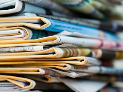 recycled-newspaper-crafts-1
